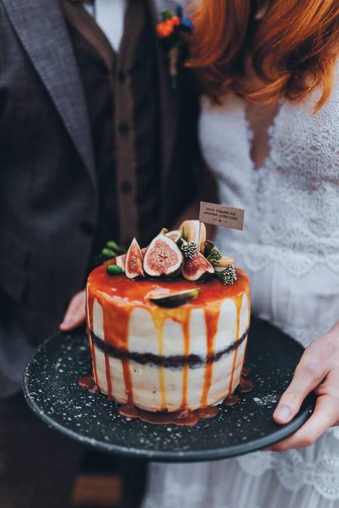 Urbant havebryllup - bryllup i haven - bryllupskage, kagebord, kage til bryllup, bryllupskage med figner