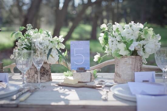 anderledes-borddekoration-til-bryllup-min (1)